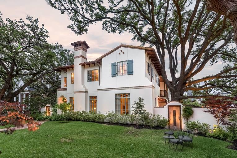 Santa Barbara Style Home in River Oaks