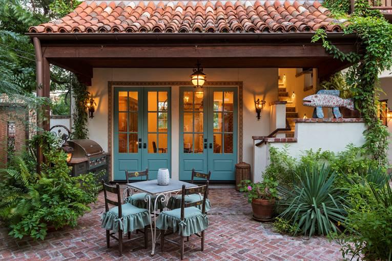 outdoor living, river oaks custom home