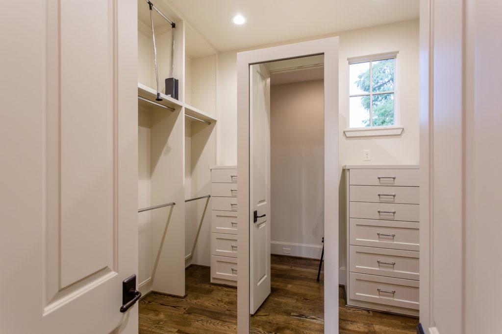 Mirador-Builders-custom-closet
