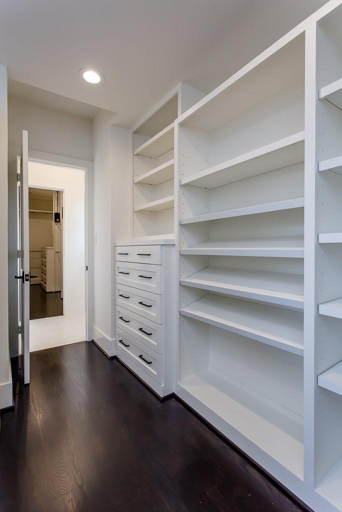 california style closet