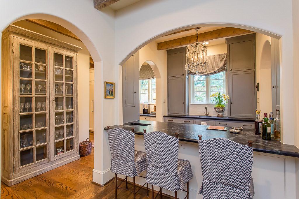 luxury home in river oaks