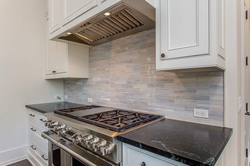 Del Monte Park River Oaks, kitchen, oven