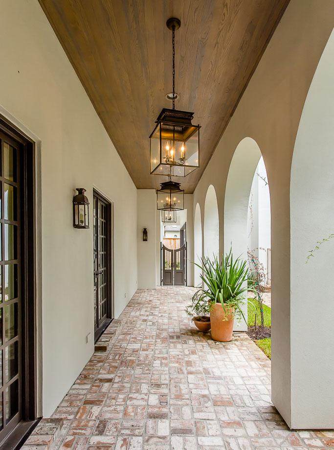 luxury custom home in River Oaks