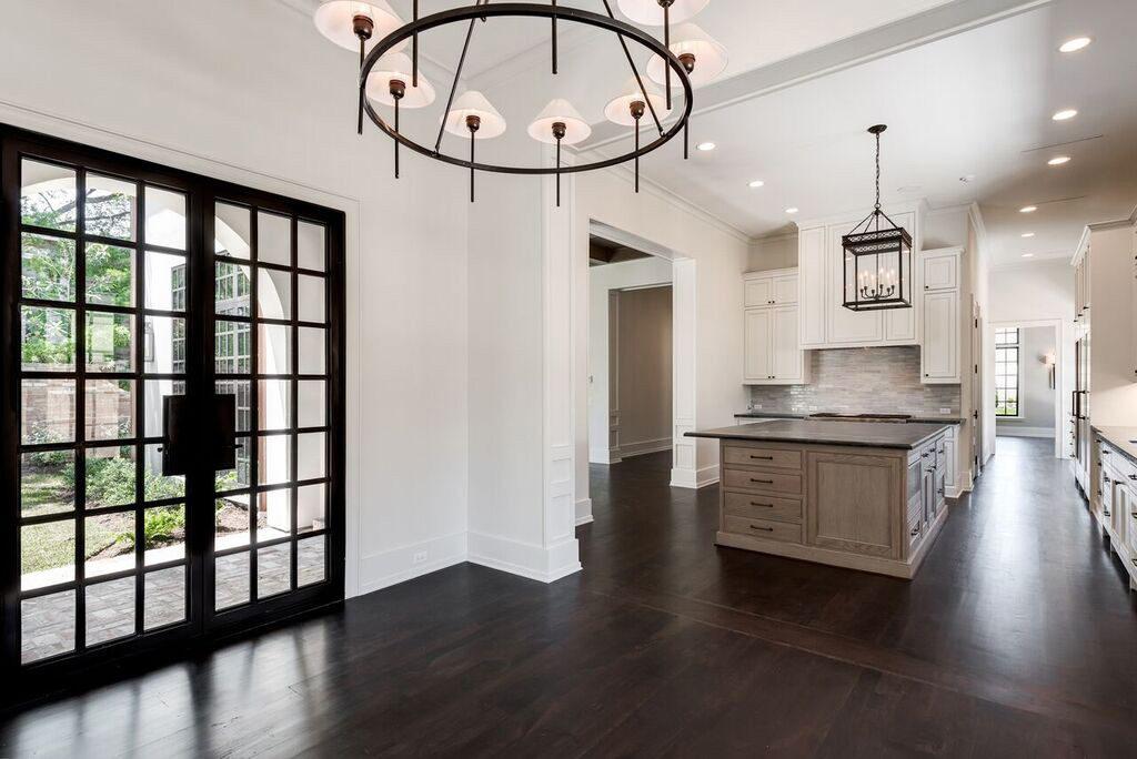 custom home builder in River Oaks
