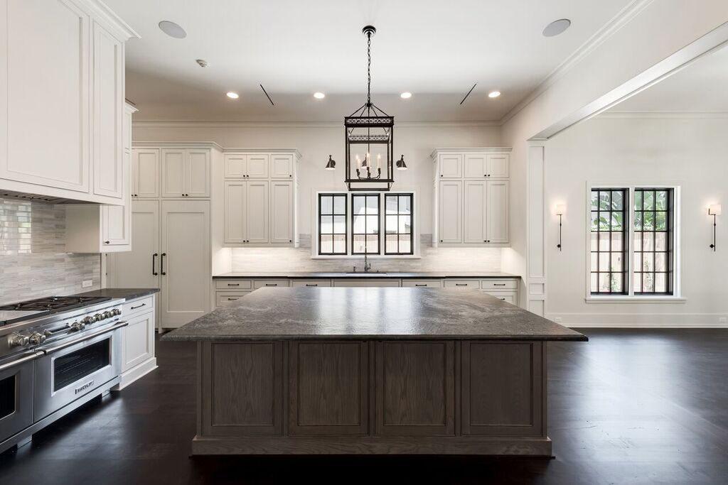 custom build kitchen in River Oaks