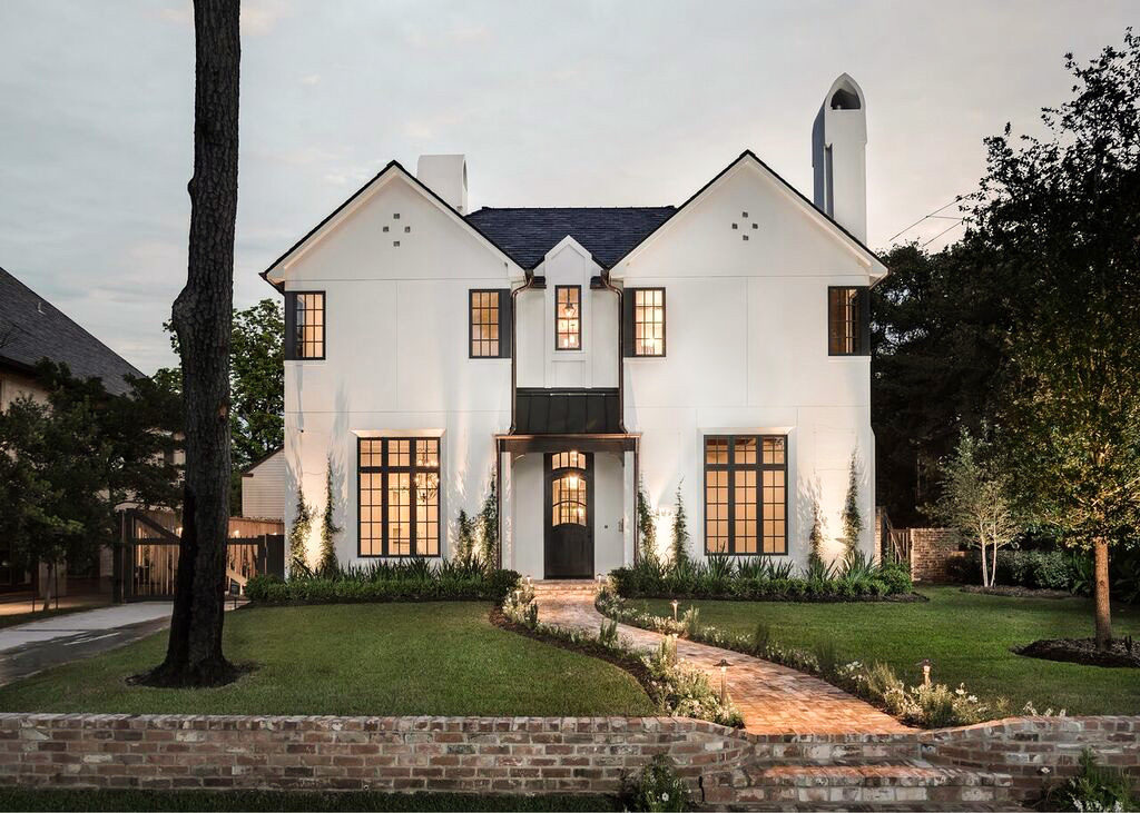American vernacular architecture on del monte in Houston, Texas