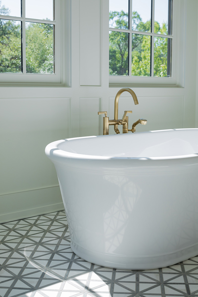 Mirador-Builders-River-Oaks-Estate, master bath with freestanding tub