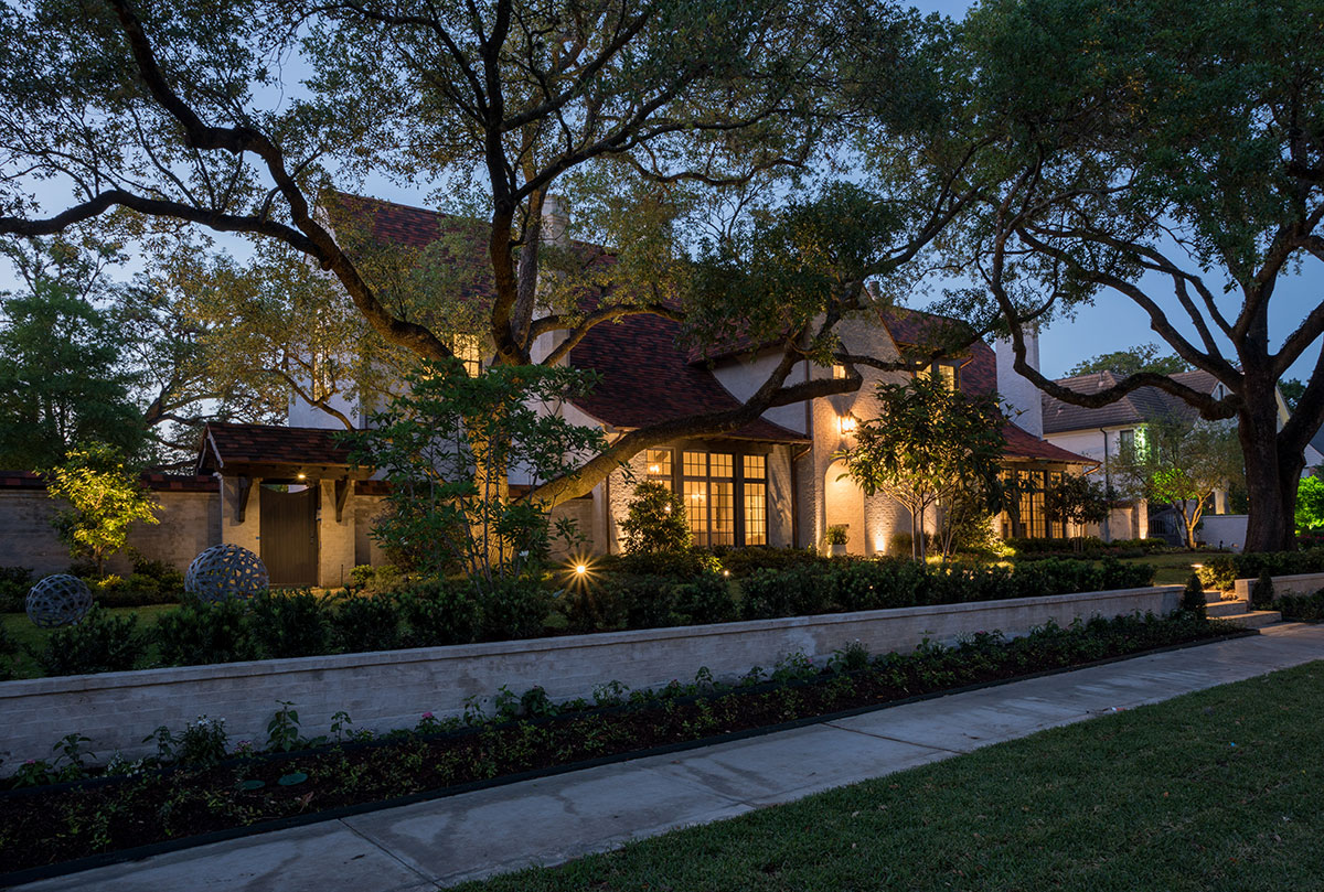 River Oaks Estate, Mirador Builders