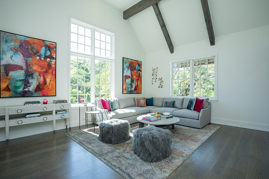 large-living-space-in-River-Oaks