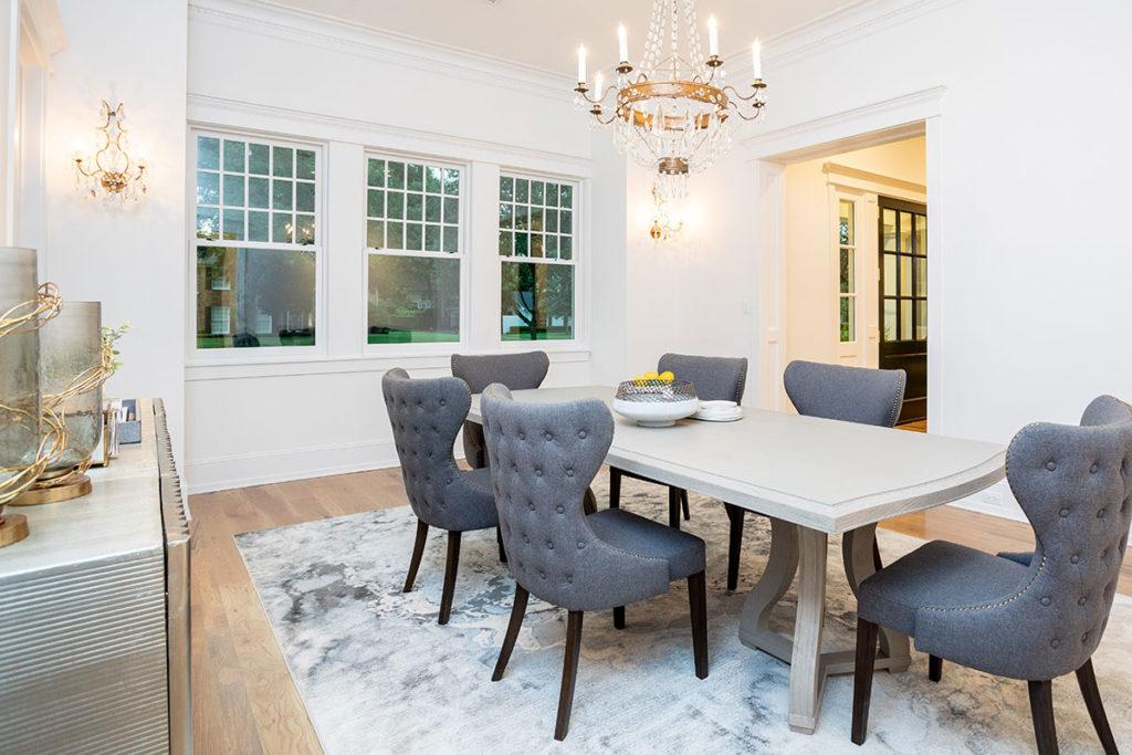 East-Coast-Shingle-Style-Dining-Room