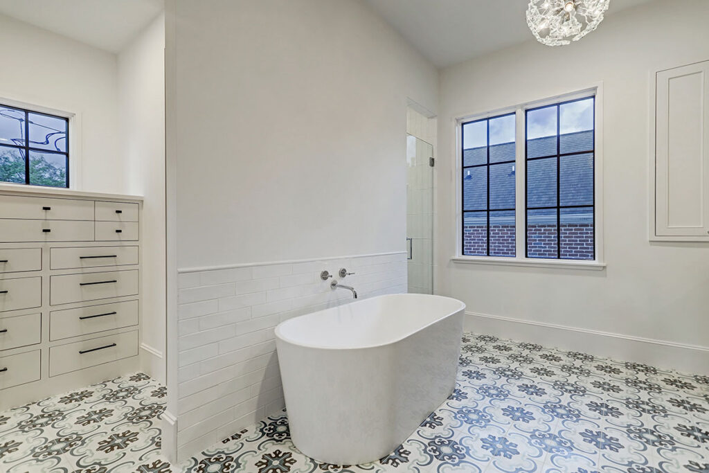 custom-restroom-contemporary-tub