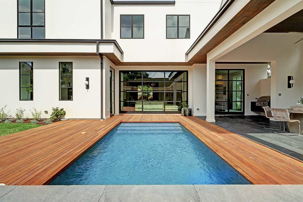 Contemporary-Style-Home-in-Houston