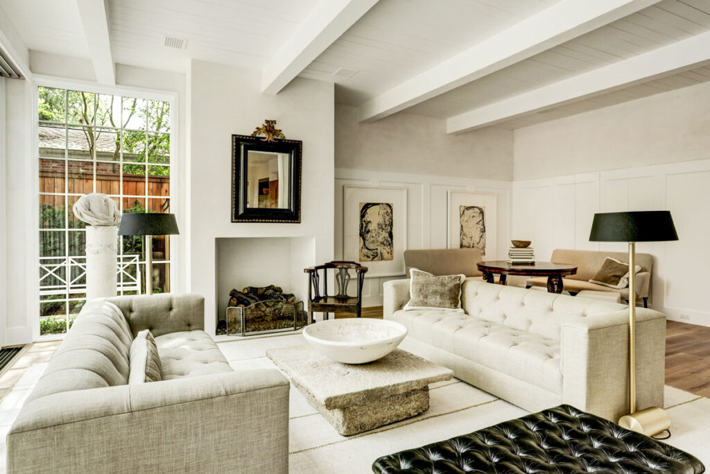 expansive-living-areas, family room
