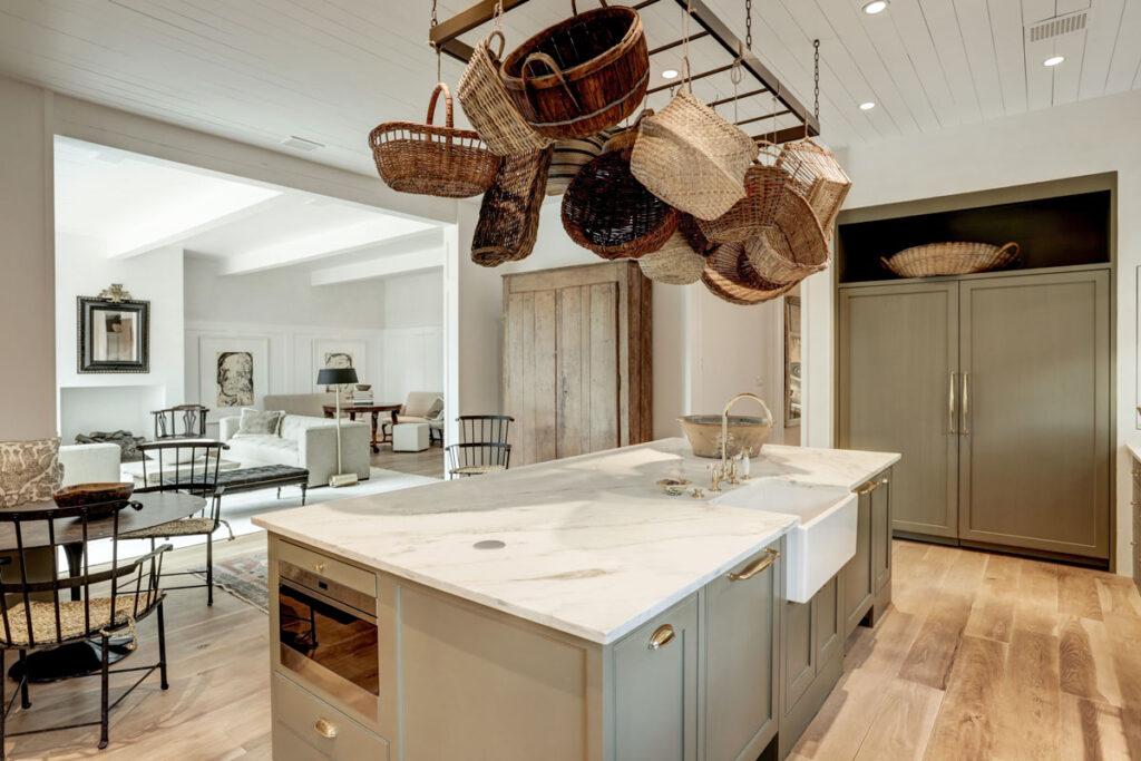 large-kitchen-island, farmhouse sink