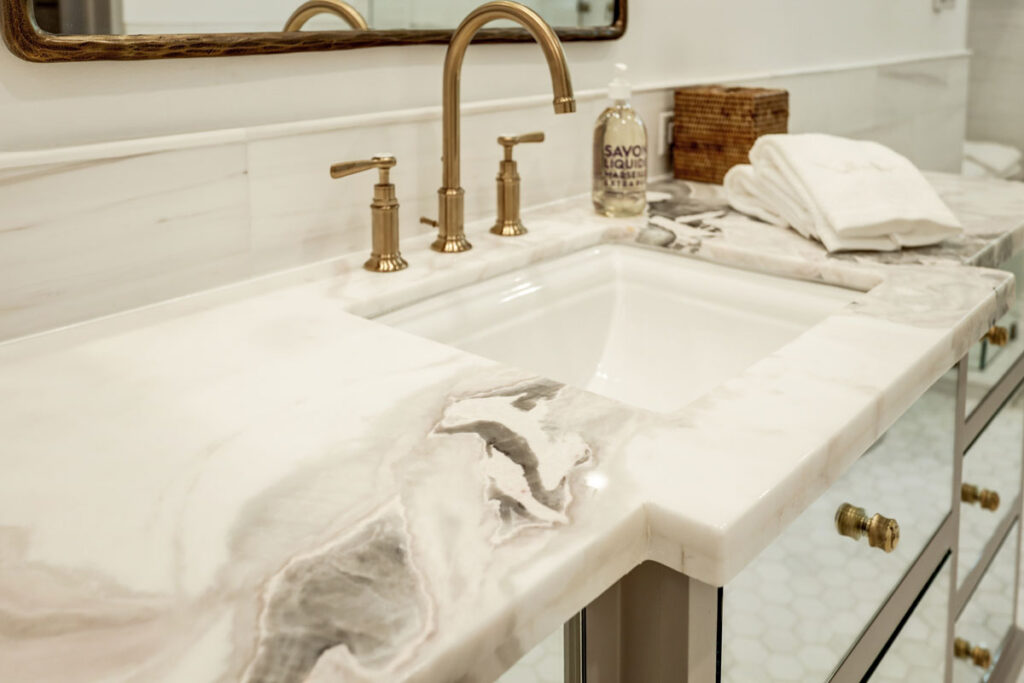 thick-marble-countertop-in-bath